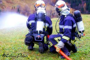 logo pompiers genou