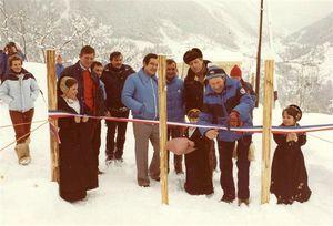 a-noel-1982-le-telesiege-du-replat-est-inaugure-par-la-municipalite-d-henri-begean-mais-dix-ans-avant-la-creation-du-domaine-les-skieurs-pratiquaient-deja-l-itineraire-hors-piste-du-grand-col-depuis-le-domaine-des-arcs