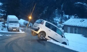 Une voiture équilibriste