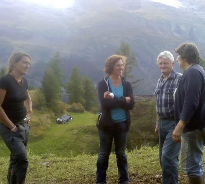 De gauche à droite : Sonja Mathis, Rosula Blanc, les deux Suissesses et René et Sylvie Mousselard.