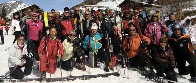 Les aînés réunis au ski